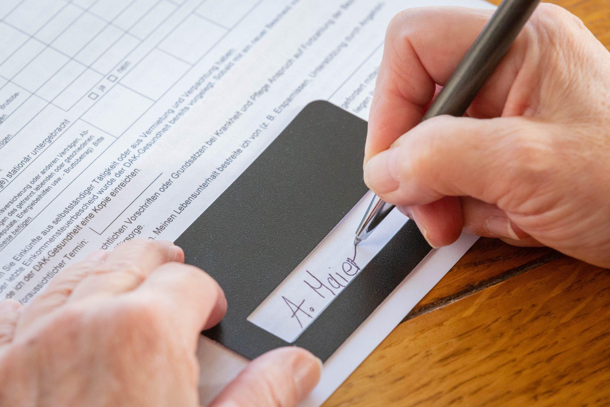 Unterschriftsschablone auf Formular